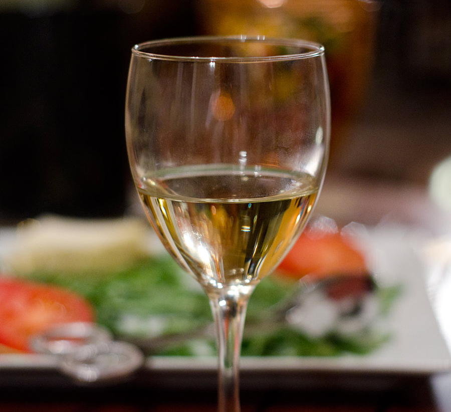 21.17 rs-whitewine 1354570 83682820